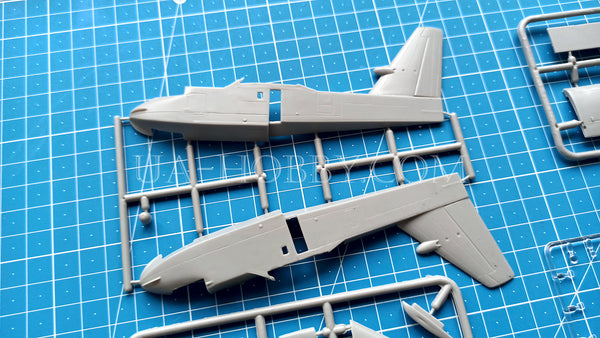 1/144 Canadair Bombardier CL-415 SuperScooper. Amodel 1476