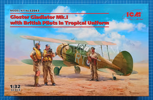 1/32 Gloster Gladiator Mk.I with British Pilots in Tropical Uniform. ICM 32043