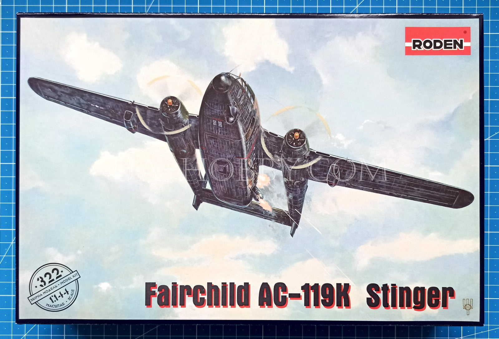 1/144 Fairchild AC-119K Stinger. Roden 322