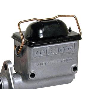 Example of Wilwood's High Volume Mastyer Cylinder with Cover in place.