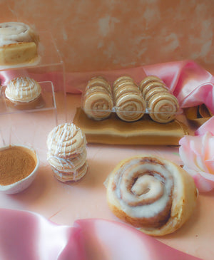 Load image into Gallery viewer, Cinnamon Roll Macarons