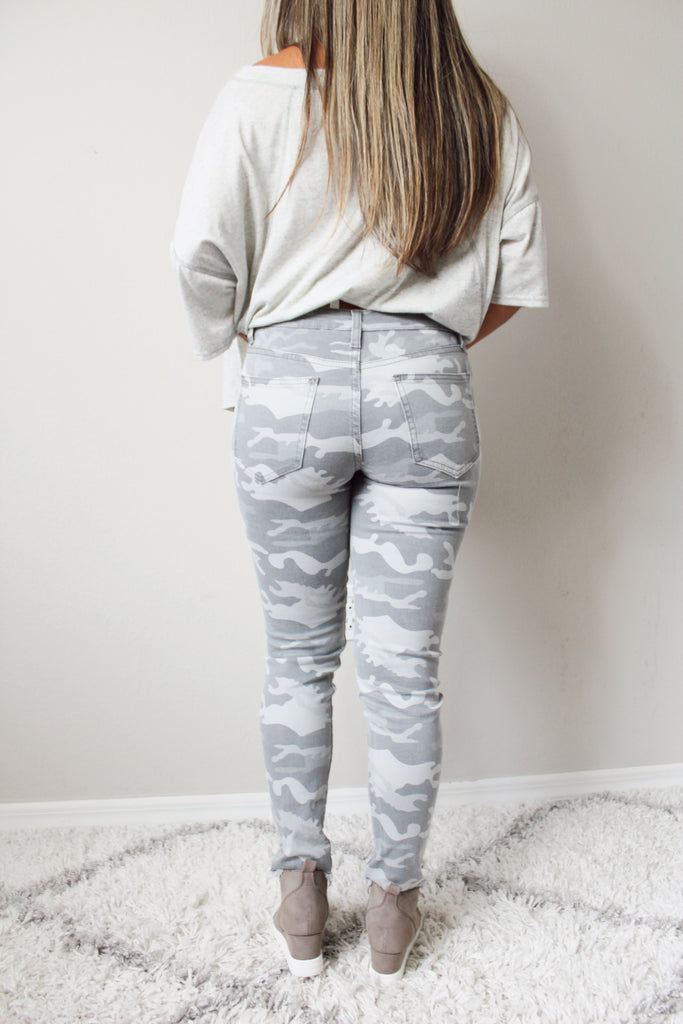 Asher Camo Distressed Pants