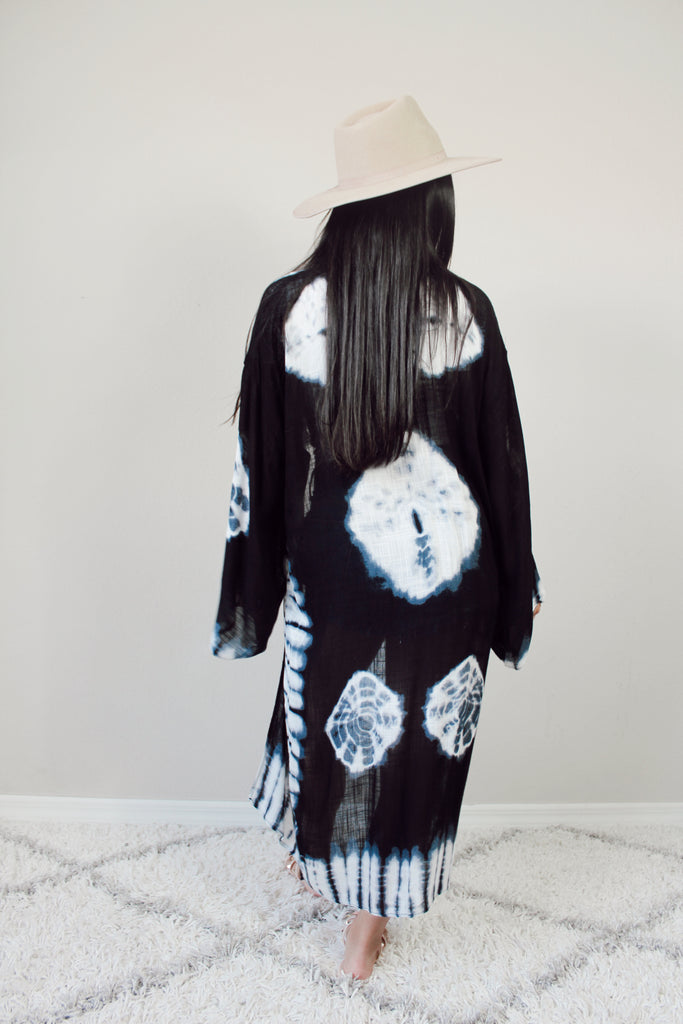 Lost In The Waves Kimono