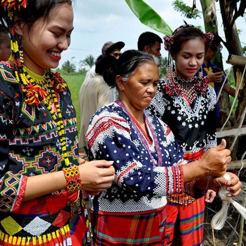 Indigenous women of philippines weaving