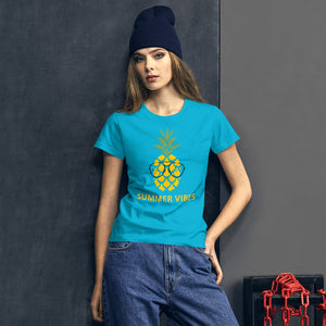 """Summer Vibes"" - Frauen Kurzärmeliges T-Shirt"
