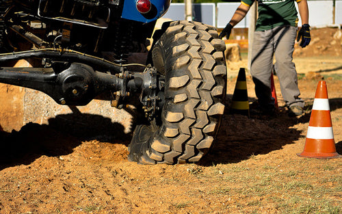 rock-crawling-basics-lift-tires