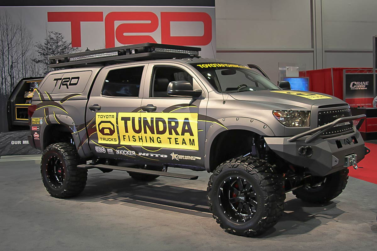 toyota-tundra-fishing-team