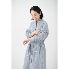 Striped rubber sleeve shirt dress/Bringing a feast
