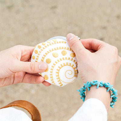 Mini Purse/Spiral Conch (White)
