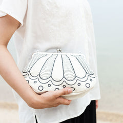 Clutch bag/Big Shell (White)