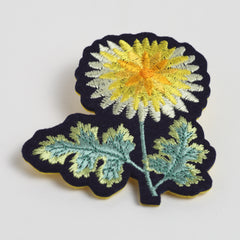 "Brooch/""Kiku"" (Chrysanthemum)"
