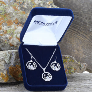 Montana Silversmiths Wreathed Horseshoe Treasure Jewelry Set