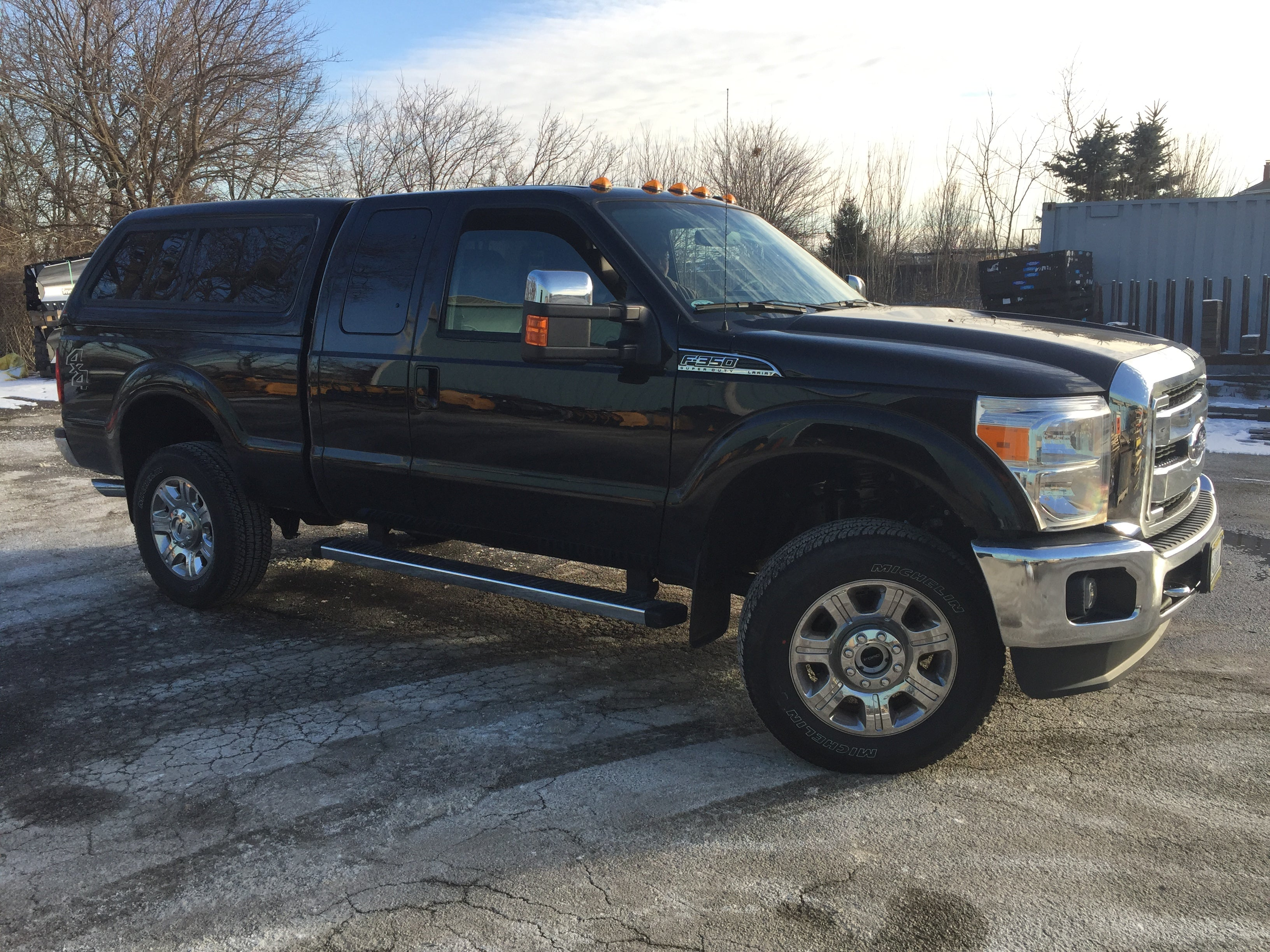 100XR SHADOW BLACK 2015 F350 leer commercial truck caps