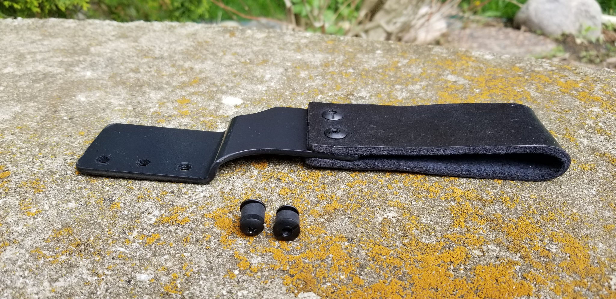 Kydex and Leather offset drop belt attachment