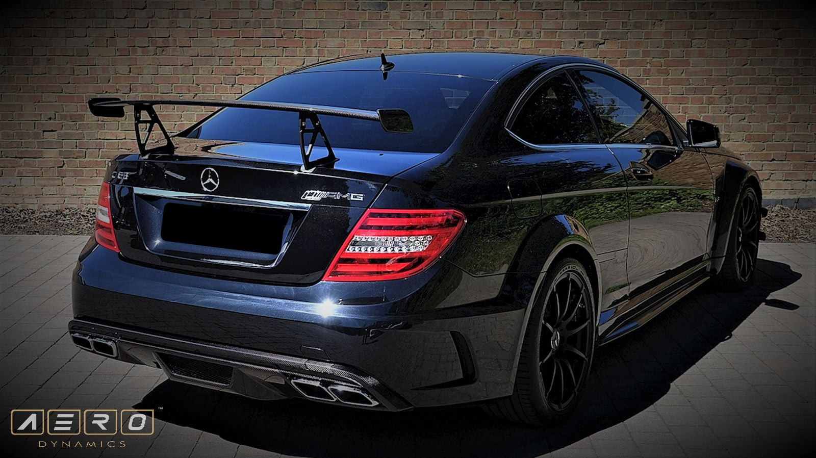 Aero Dynamics Heckflügel Black Series Design für Mercedes-Benz C63 C204 Coupe AMG - Boden Visuals