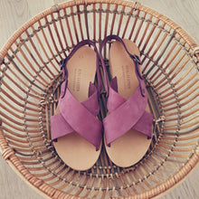 Load image into Gallery viewer, Leather handmade sandal purple