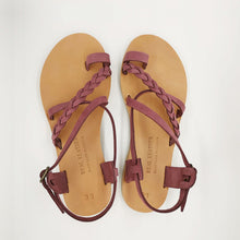 Laden Sie das Bild in den Galerie-Viewer, Leather handmade sandal purple