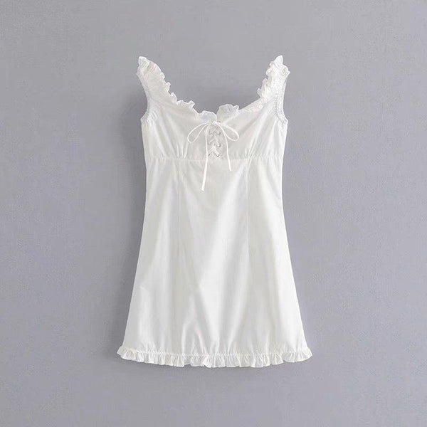 Lace-up ruffles babydoll dress in white - CURATED by FS