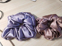 Lilac silk scrunchie (2 sizes) - CURATED by FS