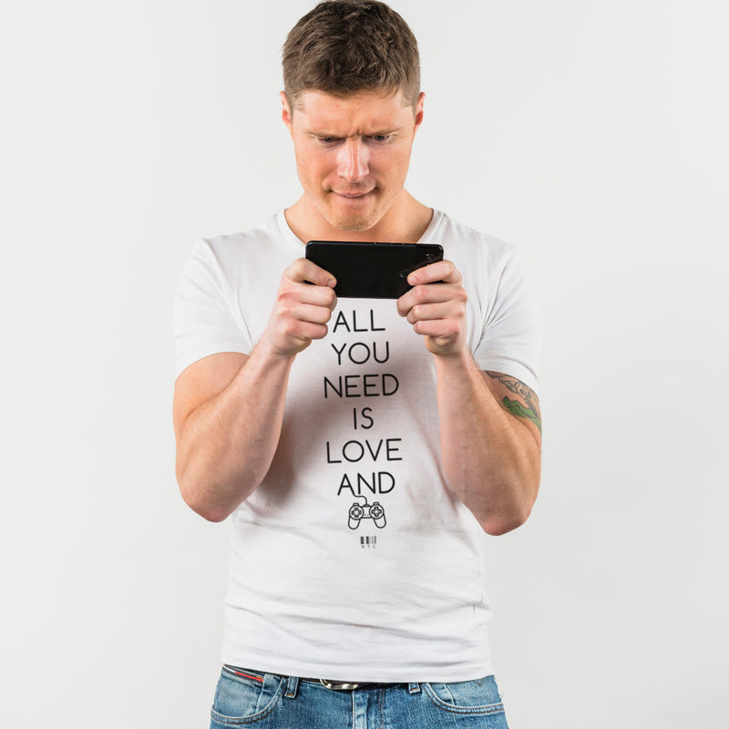 Cadeau anniversaire : T-Shirt - All you need is Love and a Video Games - Unisexe - Coton Bio - Cadeau Original - Cadeau Personnalisable - Cadeaux-Positifs.com -XS-Blanc-