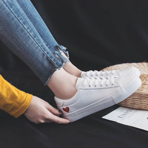 Leather Woman Shoes Fashion New Woman PU Leather Shoes Ladies Breathable Cute Heart Flats Casual Shoes White Sneakers Fashion