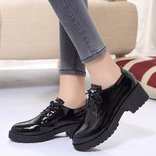 Load image into Gallery viewer, Dropshipping Patent Leather Oxford Shoes Woman British Style Round Toe Lace-up Flats Square Heel Chaussures Femme zapatos ZSTM17