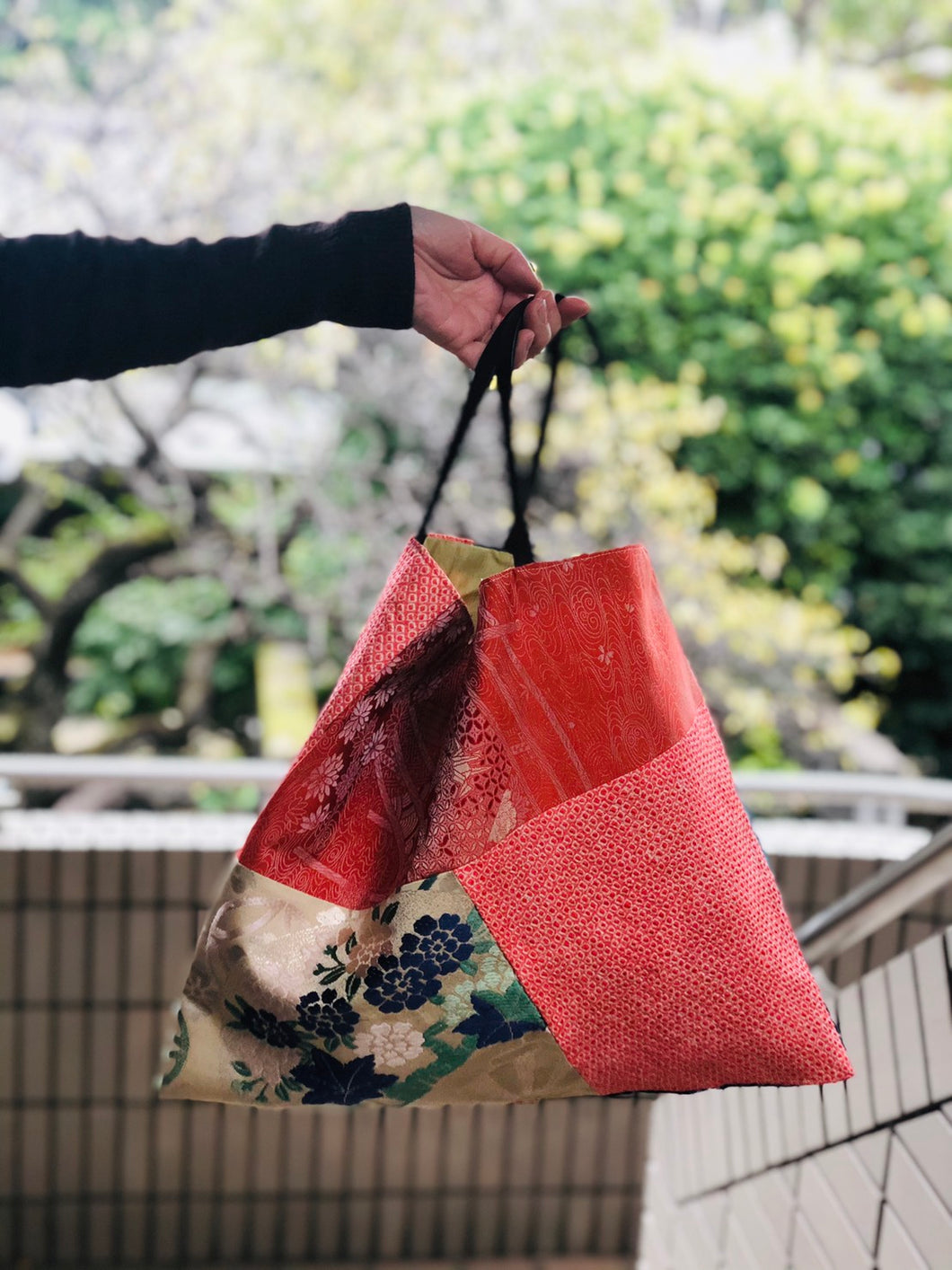 Handbag made of vintage Obi & Kimono Medium