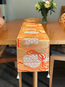 Table Runner gold-base,  letter box / classical pattern (woven textile Obi)