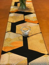 Load image into Gallery viewer, Table Runner Black-base tortoiseshells pattern (woven Obi)