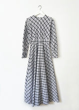 Load image into Gallery viewer, LONG VINTAGE DRESS