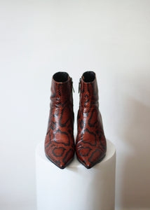 LEATHER ANKLE BOOTS, 39