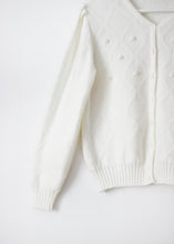 Load image into Gallery viewer, WHITE VINTAGE KNIT CARDIGAN