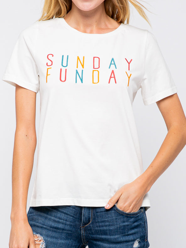 We love our Sunday Fundays! Wear this while you are enjoying whatever brings you fundays! Fits true to size. Size up for an oversized feel.