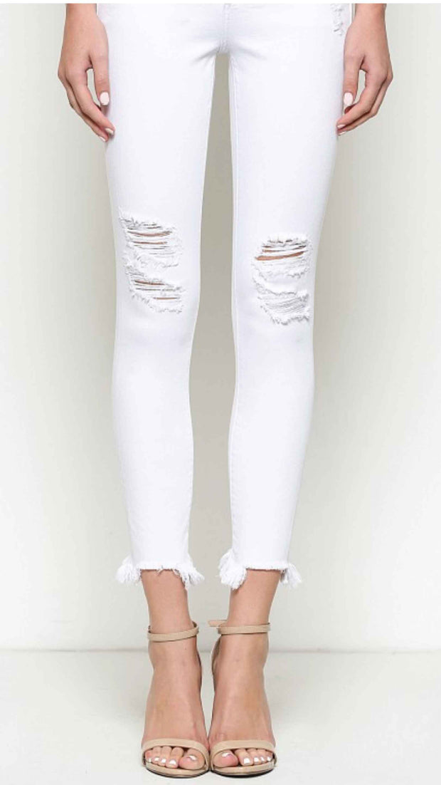 Always on the lookout for distressed white skinnies? Stop looking! These will be the ones you reach for every time! Girl we don't lie. They are super soft on and stretch perfectly without losing their shape or falling down!