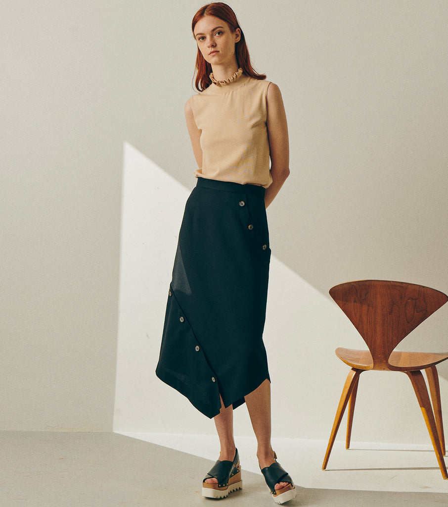 Button Detail Asymmetric Skirt