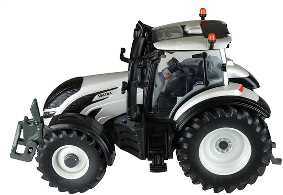 Britains Valtra T4 Tractor 1:32 Scale - McGreevy's Toys Direct