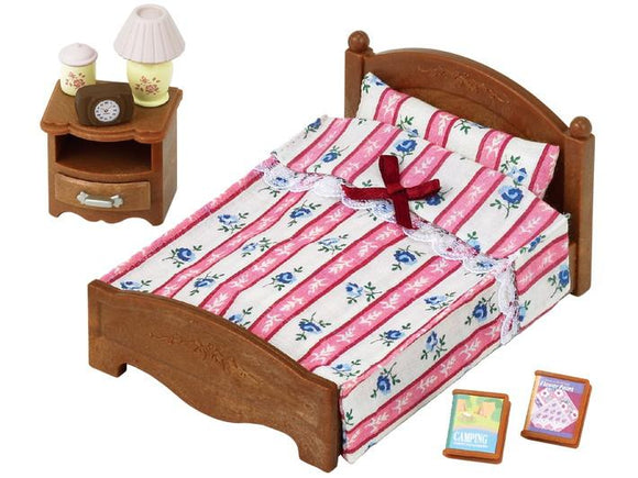 Sylvanian Families Semi-Double Bed - McGreevy's Toys Direct