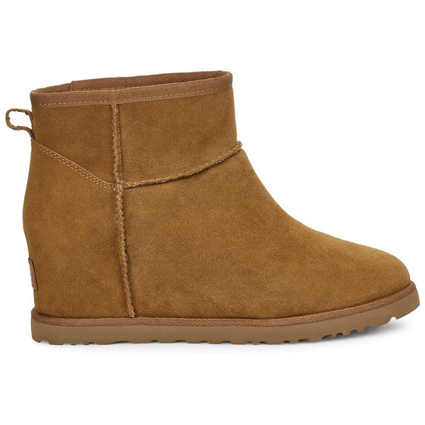 UGG WOMEN'S CLASSIC FEMME MINI BOOT IN CHESTNUT