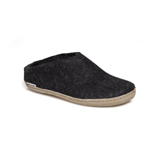 GLERUPS MEN'S THE SLIP-ON WITH LEATHER SOLE IN CHARCOAL