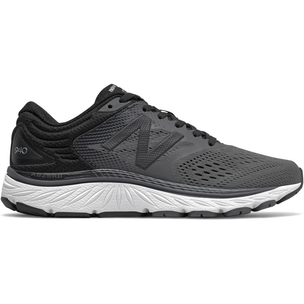 NEW BALANCE WOMEN'S 940V4 IN BLACK MAGNET