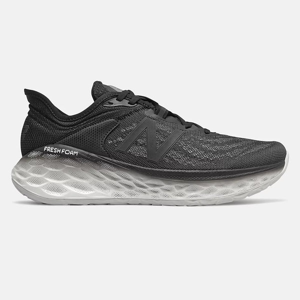 NEW BALANCE MEN'S FRESH FOAM MORE V2 IN BLACK WITH MAGNET