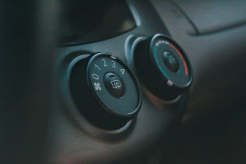Distinction of car knobs and buttons