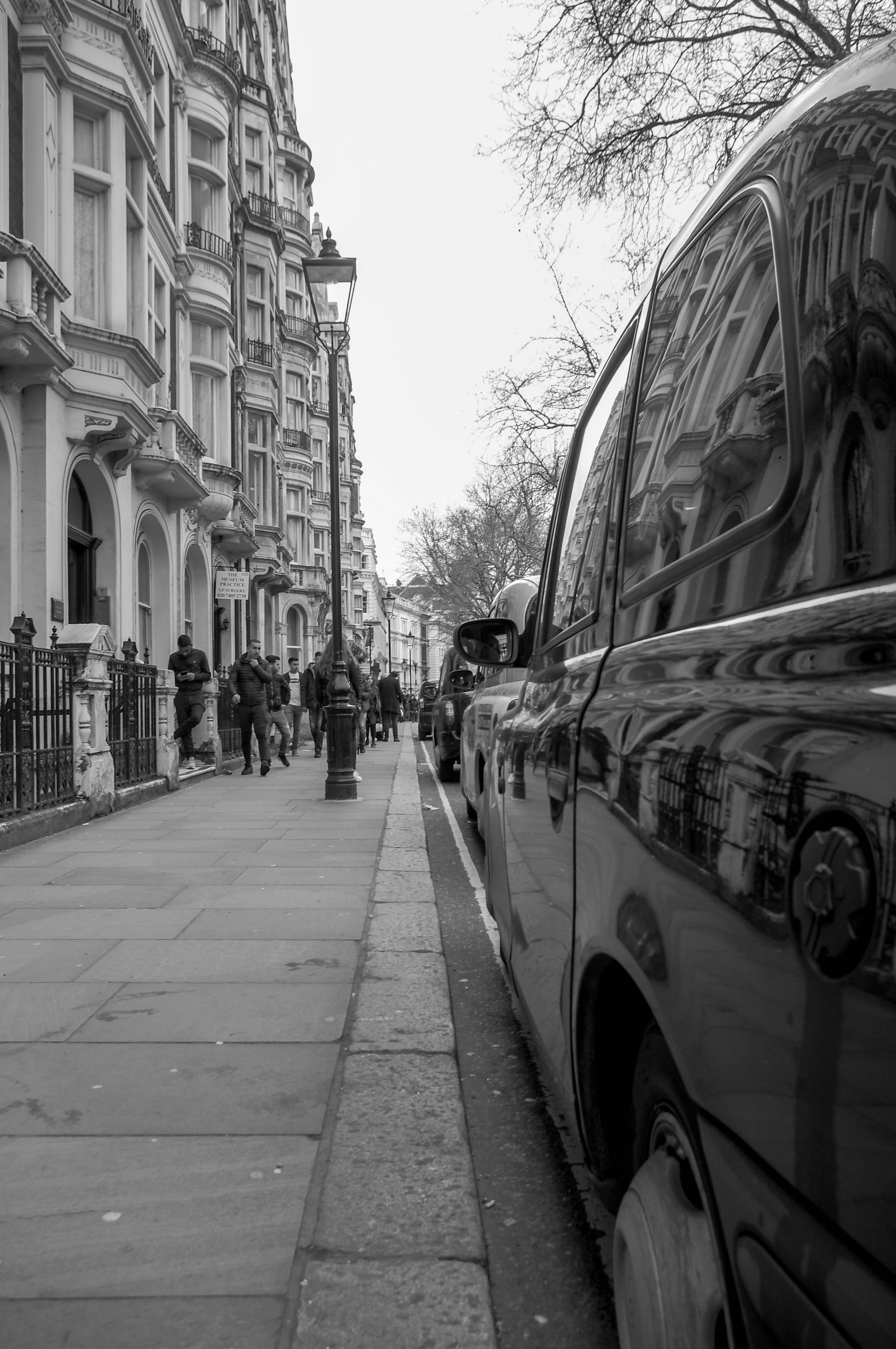 A Taxi for the British Museum - Avanguardian Gallery London