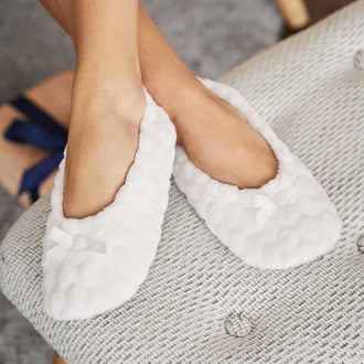 Faux-Fur Non-Slip Slipper Socks White