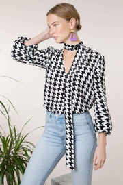 Moss - Mono Houndstooth Blouse With Necktie