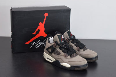"Air Jordan 4 x Travis Scott ""Dark Mocha"" - Fazye"