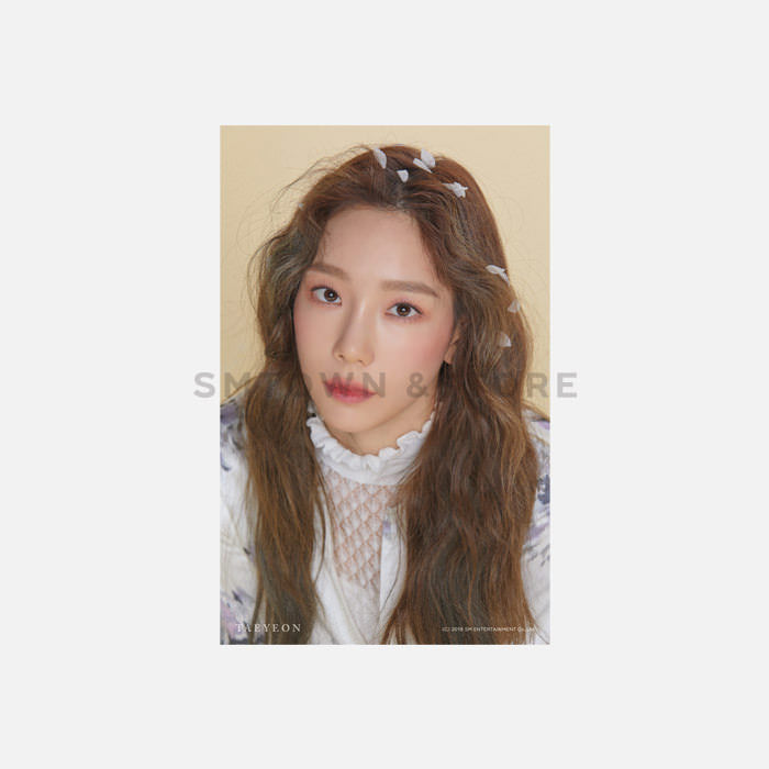 Taeyeon Official 4x6 Photo Set