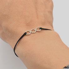 Load image into Gallery viewer, Three circle silver bracelet
