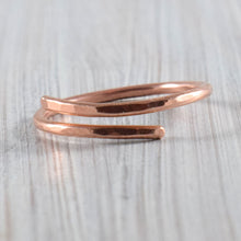 Load image into Gallery viewer, Single spiral copper wire ring