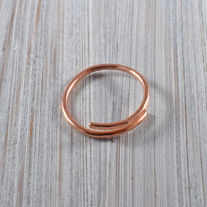 Single spiral copper wire ring